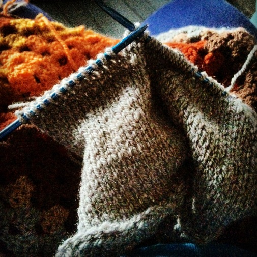 cushion back knitting